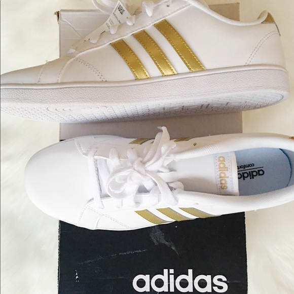 adidas neo Baseline K youth Sz 7 women Sz 9 Gold 29155a6a4